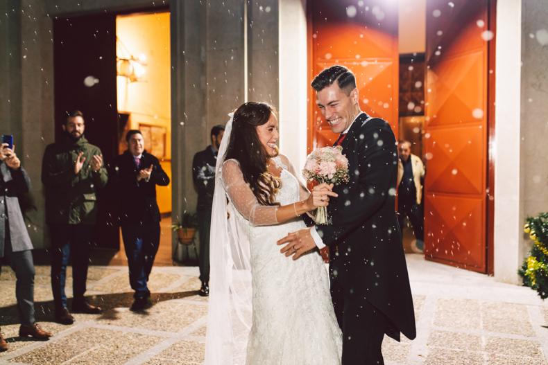 boda navidad, salida de la iglesia